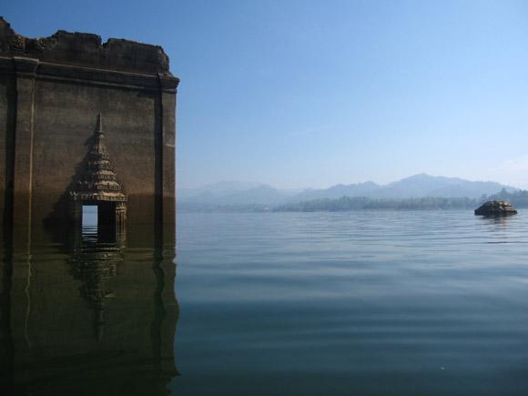 Kanchanaburi - Sangkhlaburi - Sunken Temple